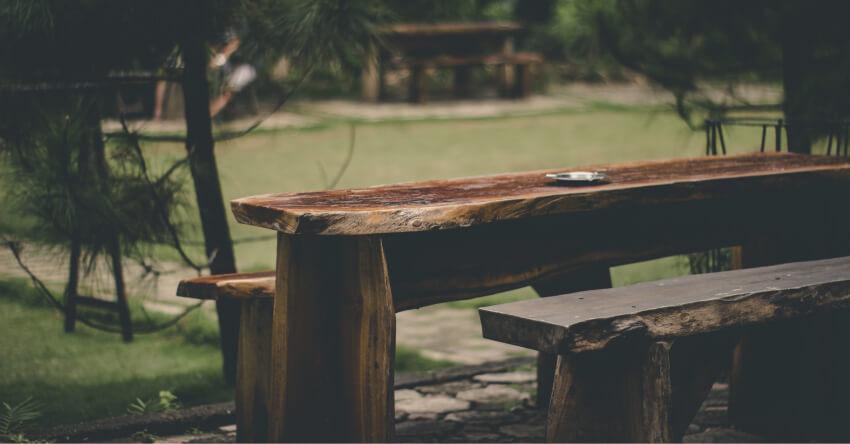 Ogród skandynawski - drewniane meble